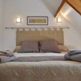 Chambre avec lit queen size - Location de vacances - Charly-sur-Marne