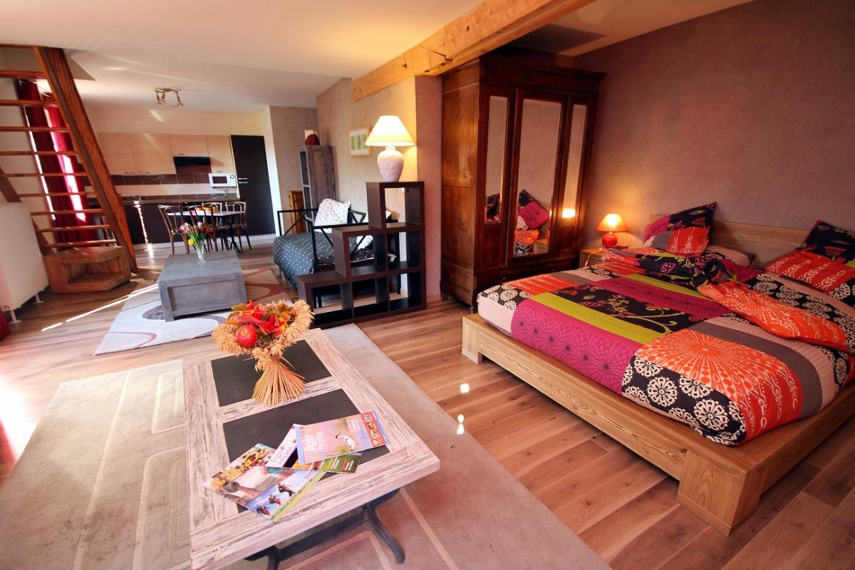 Appartement de 2 à 6 personnes avec une chambre à l'étage (20€ en option), un coin cuisine (20€ en option) une douche et une baignoire dans la salle de bain - Location de vacances - Fontaine-lès-Vervins