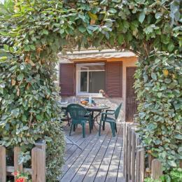 Terrasse côté entrée - Location de vacances - Appietto