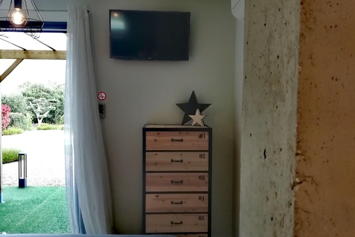 TV écran 80 cm - Chambre d'hôtes - Porto-Vecchio