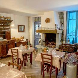 Petit déjeuner et repas - Chambre d'hôtes - Bastelica