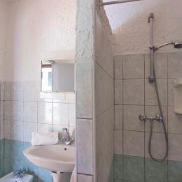 Salle. d'eau - Location de vacances - Linguizzetta
