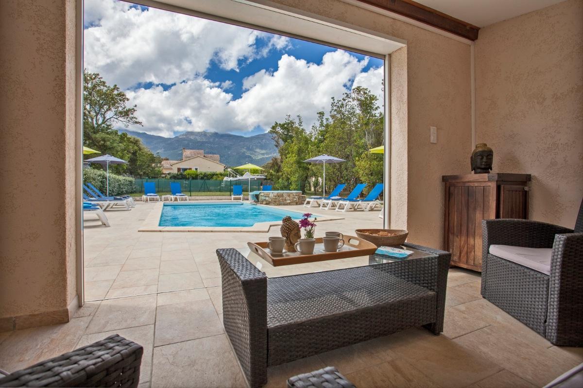 piscine vue du pool-house   - Location de vacances - Pietracorbara