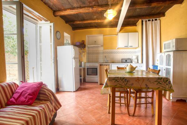 Cuisine-salle à manger - Location de vacances - Ersa