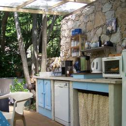 La cuisine d'été - Chambre d'hôtes - Castirla