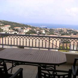 terrasse vue sur le golfe de L'ILE ROUSSE - Location de vacances -
