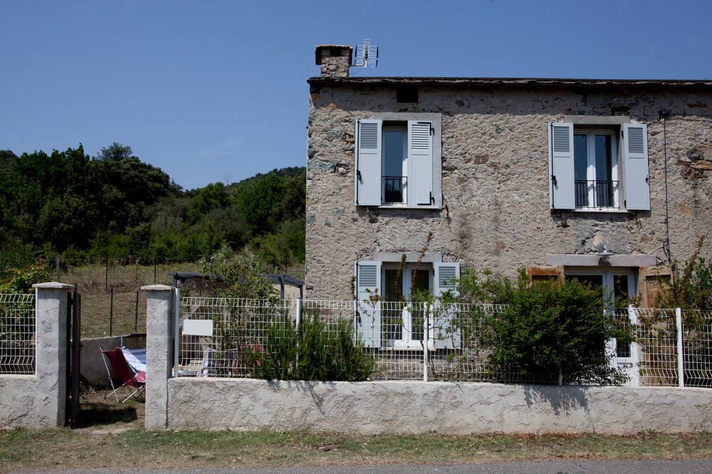 Vue d'ensemble de la maison de la place de parking - Location de vacances - Gavignano
