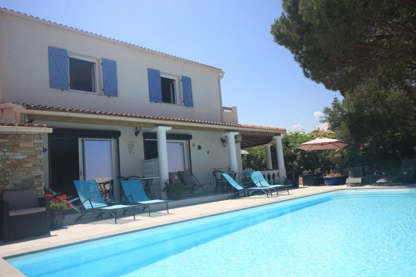 Maison et piscine - Location de vacances - Saint-Florent