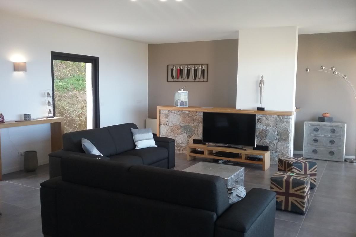 séjour/salon spacieux - Location de vacances - Lavatoggio