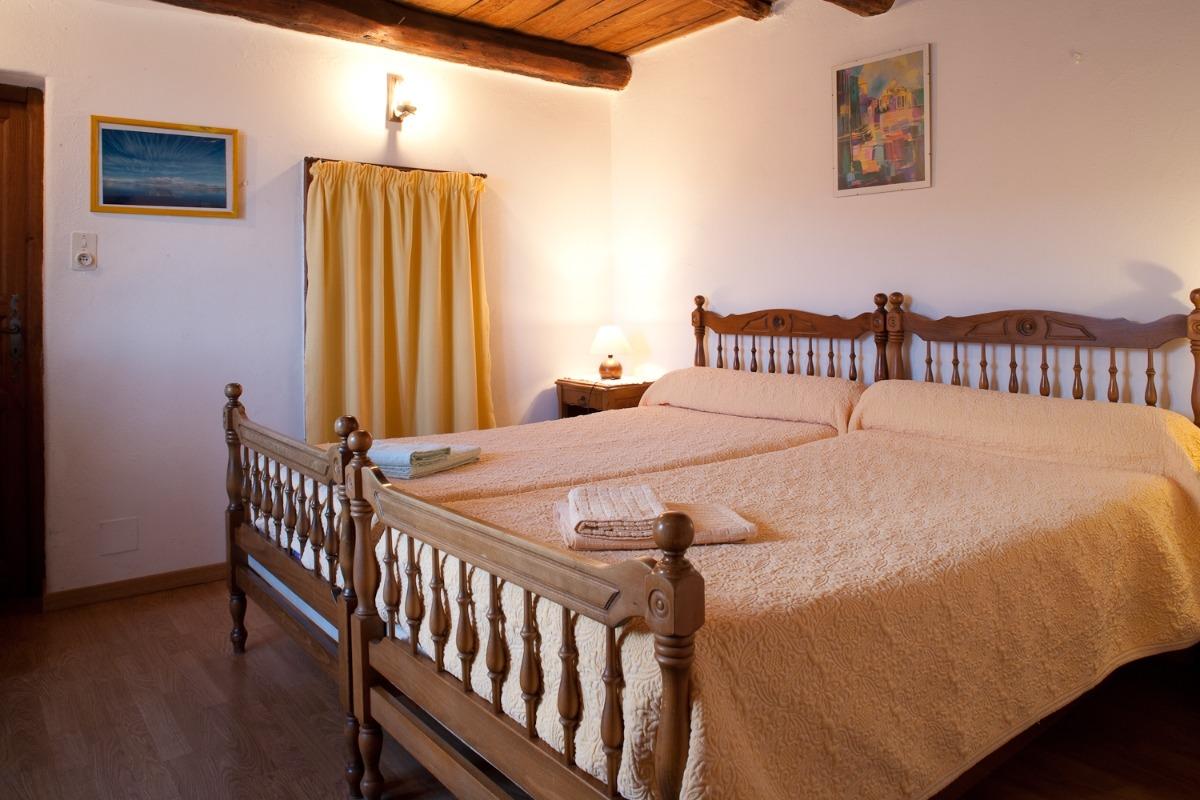 chambre JULIA avec 2 lits 90 cm ou 1 lit 180 cm - Chambre d'hôtes - Santa-Maria-di-Lota