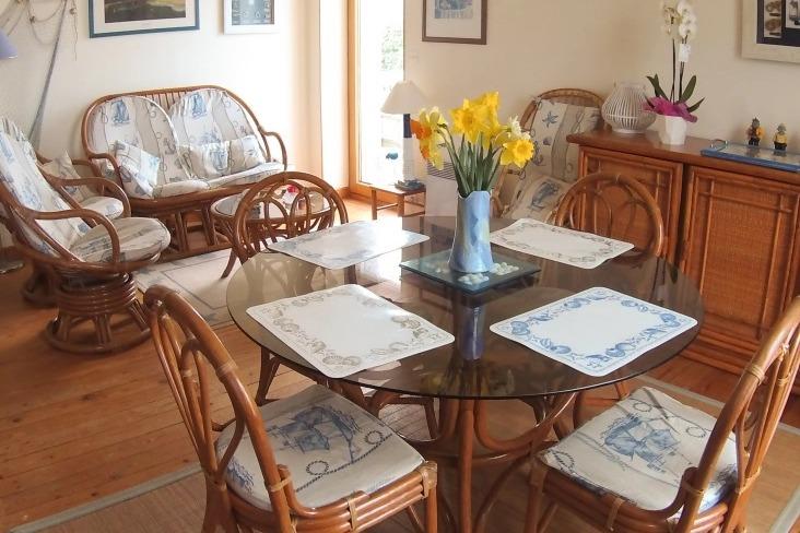 salon salle à manger salle de vie - Location de vacances - Pléneuf-Val-André