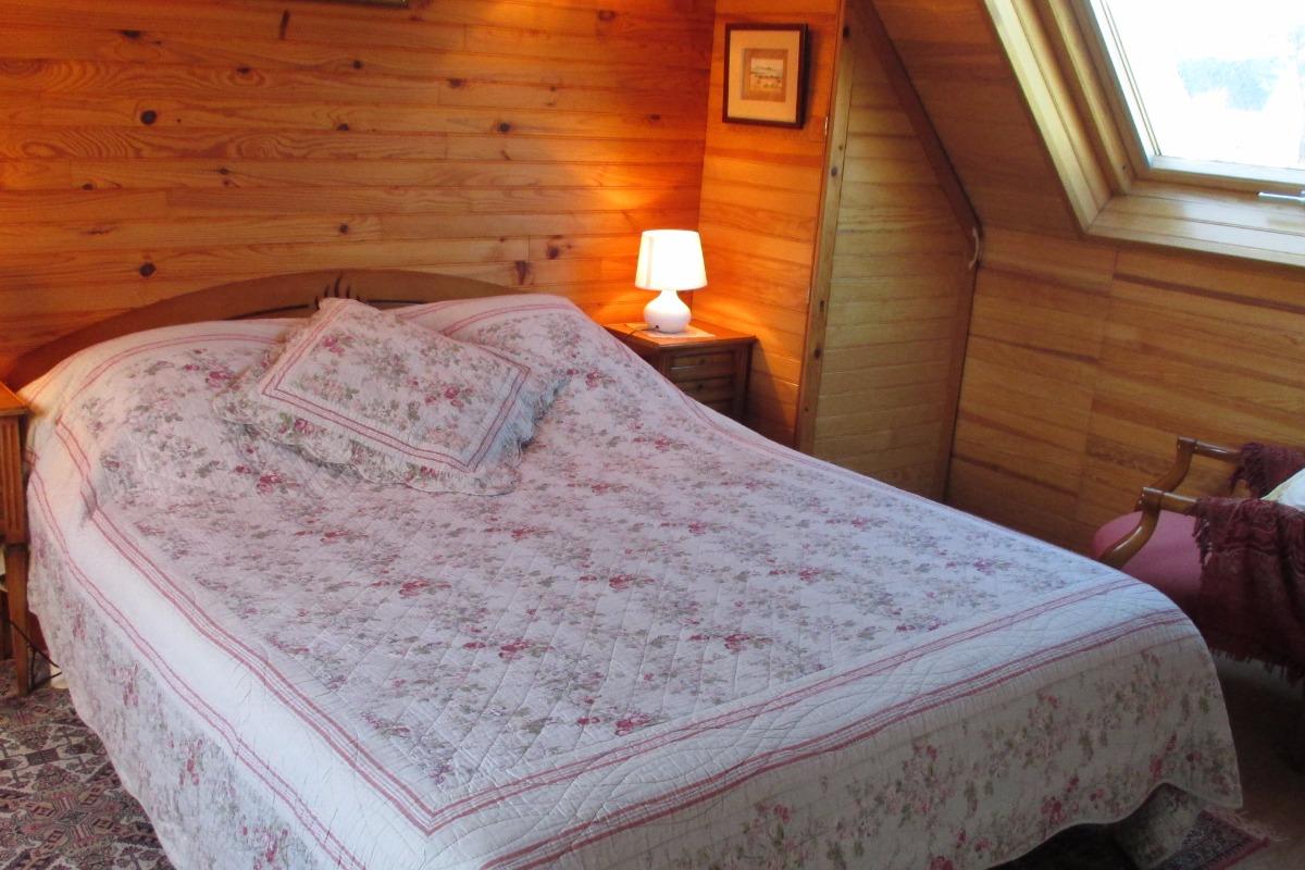 Chambre d'hôtes, Trégastel, Coz Pors, Les Roses, la chambre lit de 160 - Chambre d'hôtes - Trégastel