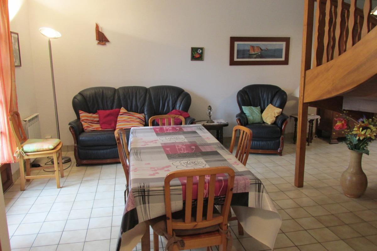 Le séjour-salon au RDC - Location de vacances - Binic