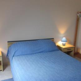 2nde chambre double avec salle de bains privative attenante - Location de vacances - Erquy