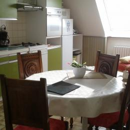 ensemble cuisine salon - Location de vacances - Lannion