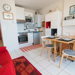séjour - kitchenette - Location de vacances - Trégastel