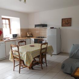 séjour avec coin cuisine - Location de vacances - Trégon