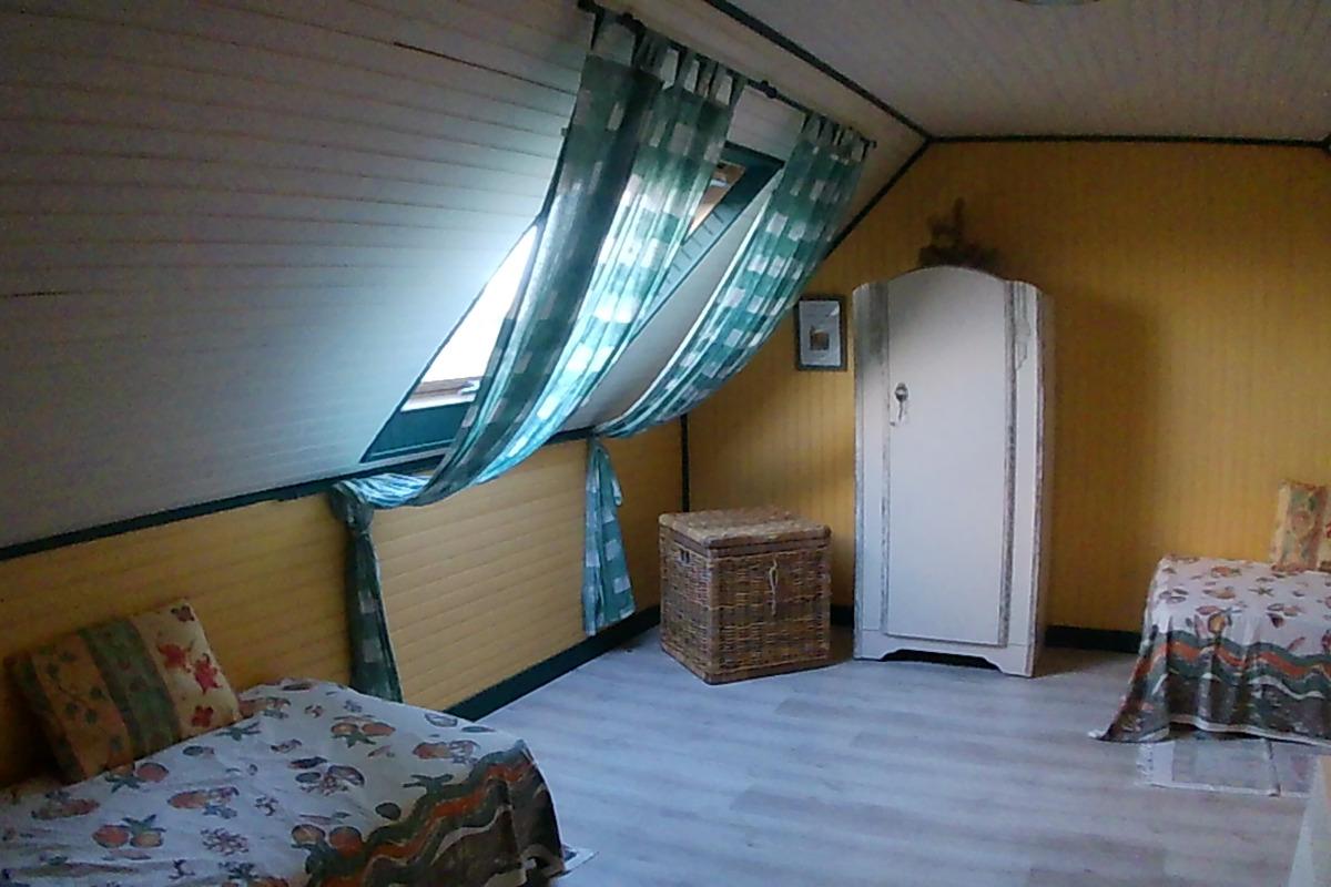Pennty chambre du haut à 2 lits - Location de vacances - Plougrescant