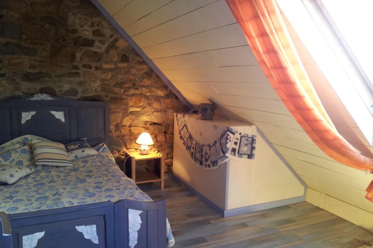 ty Pesked    la grand chambre  - Location de vacances - Plougrescant