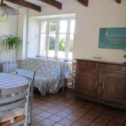 Séjour  : coin repos , canapé convertible - Location de vacances - Étables-sur-Mer