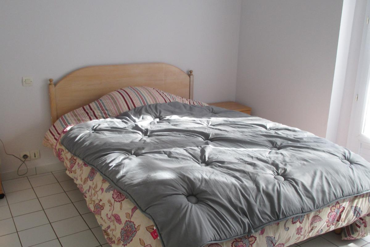 Chambre lit 140 - Location de vacances - Ploubazlanec