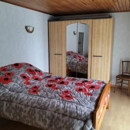 chambre étage - Location de vacances - Pléguien