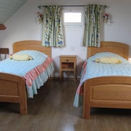 LECORVAISIER - Location - Saint-Cast-le-Guildo - Chambre lit double 1er étage - Location de vacances - Saint-Cast-le-Guildo