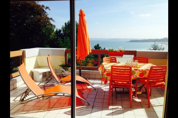 Terrasse de 14m2 exposée sud-est soleil 17h - Location de vacances - Saint-Cast-le-Guildo