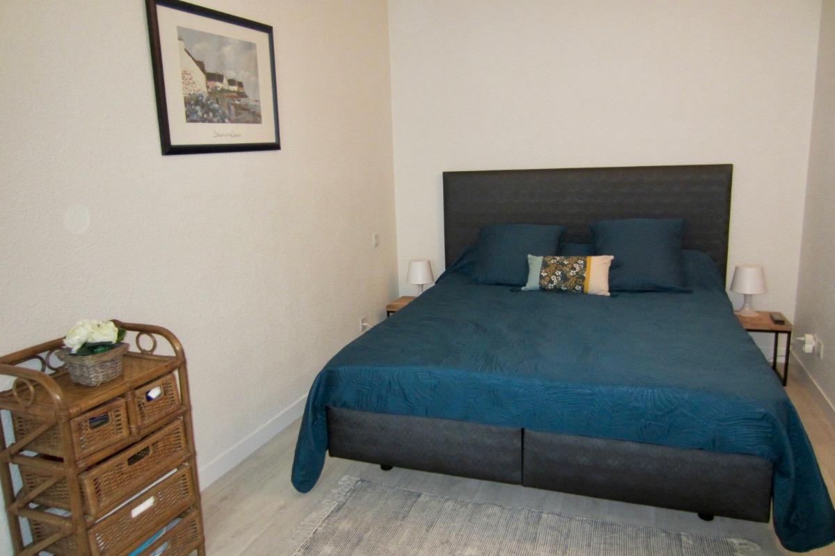 La tv est aujourd'hui un écran plat - Location de vacances - Pléneuf-Val-André