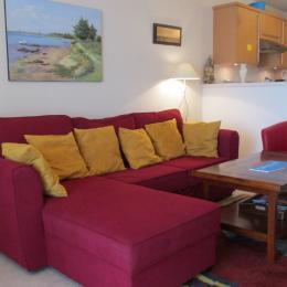 Salon-séjour ouvert sur la cuisine - Location de vacances - Pléneuf-Val-André