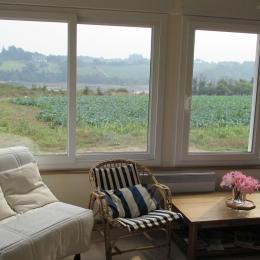 Location Pencolé Lanmodez salon (avec canapé lit) vue mer-estuaire - Location de vacances - Lanmodez