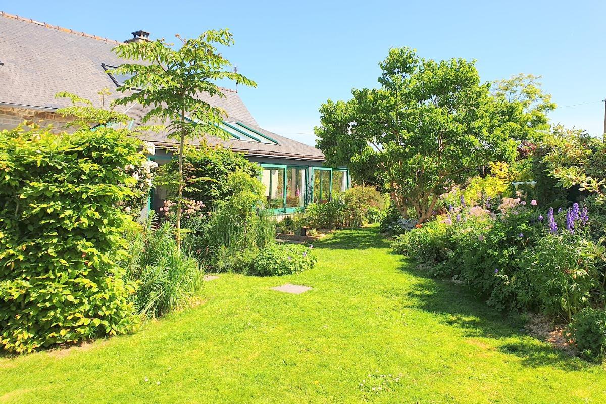 Séjour / salon de plain-pied avec la véranda - Location de vacances - Paimpol