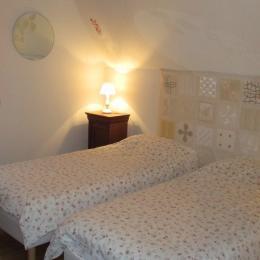 Thiebaut, chambre hôtes familiale, 1ère chambre - Chambre d'hôtes - Plougrescant