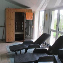 Location Yvias, Menguy, Transats te sauna côté piscine - Location de vacances - Yvias