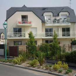 Côté sud (balcon avec les sièges orange) - Location de vacances - Pléneuf-Val-André