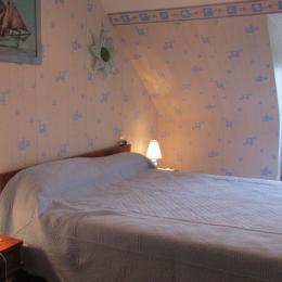 Chambre lit 140 - Location de vacances - Sévignac