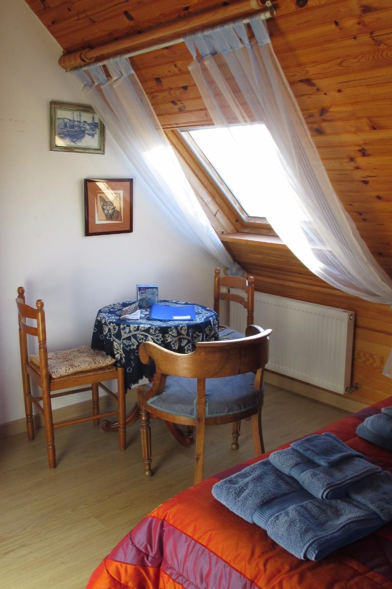 Chambre d'hôtes Bleu Marine, Trégastel, la chambre indépendante avec 1 lit de 160 - Chambre d'hôtes - Trégastel