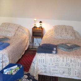 Chambre d'hôtes Bleu Marine, Trégastel, la chambre indépendante avec 2 lits de 100 - Chambre d'hôtes - Trégastel