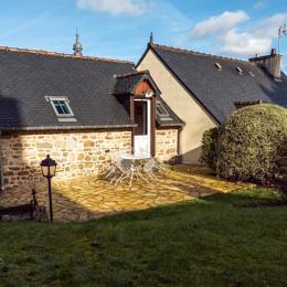 La maison avec espace garage au RDC (appartement sous toit) - Location de vacances - Moncontour