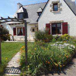 maison avec parking et pelouses arborées - Location de vacances - Plurien
