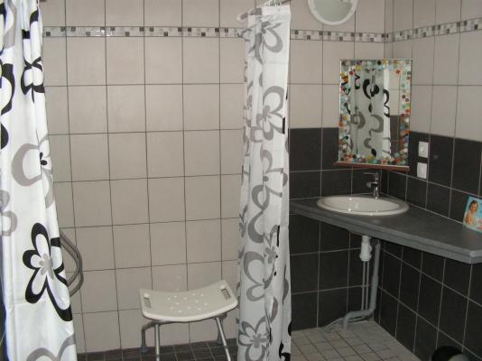 Salle d'eau rez-de-chaussez. - Location de vacances - Fréhel