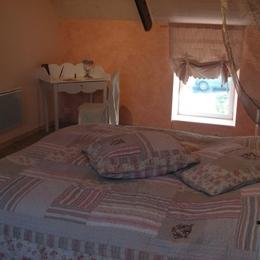 Chambre Capucine en lit double - Location de vacances - Fréhel