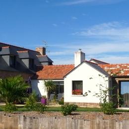 Pennty à droite côté jardin  - Location de vacances - Trégastel