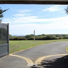 Le porche d'entrée avec vue mer - Location de vacances - Plouézec