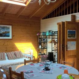 TRES GRAND FRIGIDAIRE ET CONGELATEUR 4 TIROIRS - Location de vacances - Binic
