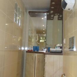 Chambre d'hôtes, Trégastel, Chambre Bateau, RDC, la salle d'eau avec douche et WC - Chambre d'hôtes - Trégastel