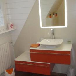 Thiebaut, chambre d'hôtes, double, salle d'eau -WC - Chambre d'hôtes - Plougrescant
