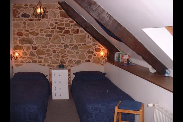 Une de nos quatre chambres : one of the four guest rooms - Chambre d'hôtes - Jugon-les-Lacs