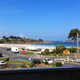 Vue du studio et du balcon - Location de vacances - Trévou-Tréguignec