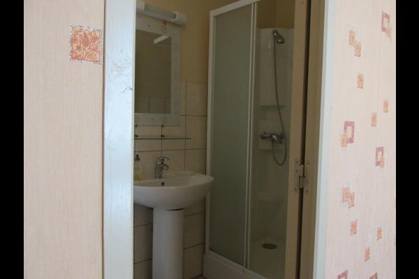 POMMERET - Chambres d'hôtes - Salle d'eau privative communicante - Chambre d'hôtes - Pleudihen-sur-Rance